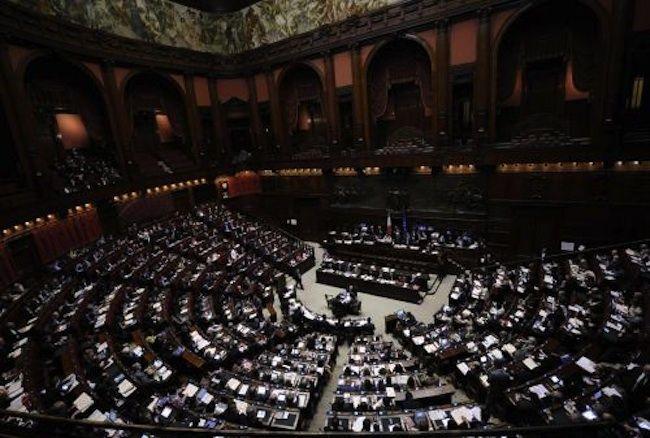 Voto di scambio politico-mafioso, approvata la legge: ridotte le pene
