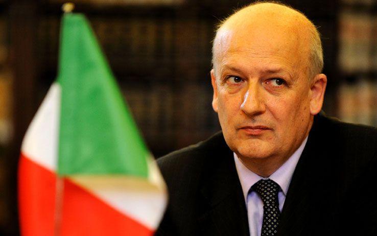 Forza Italia in crisi: Sandro Bondi e 20 parlamentari pronti a lasciare