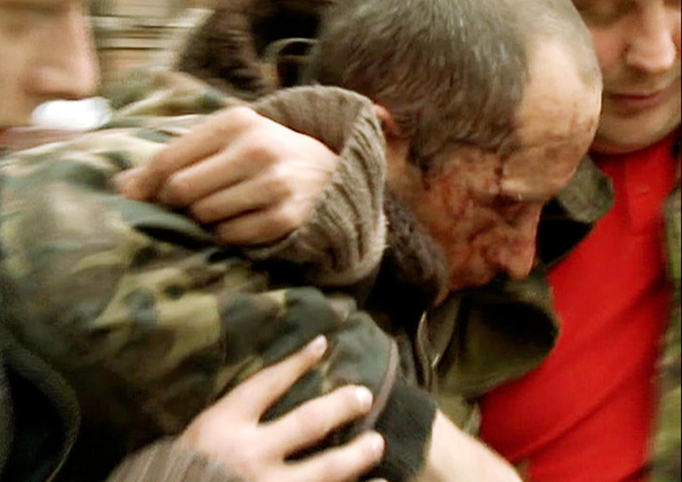 Guerra in Ucraina 2014: Kiev rilancia l'offensiva, oltre 60 morti. Liberi gli osservatori Osce
