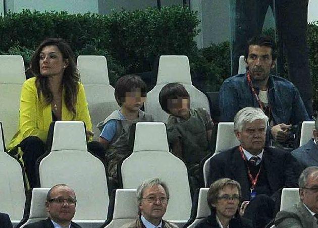 Gigi Buffon e Ilaria D'Amico insieme: gelo con Alena Seredova