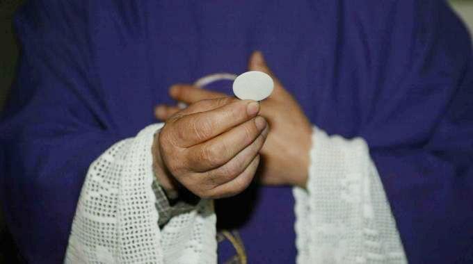 Sacramenti ai divorziati risposati? Ha ragione il Papa