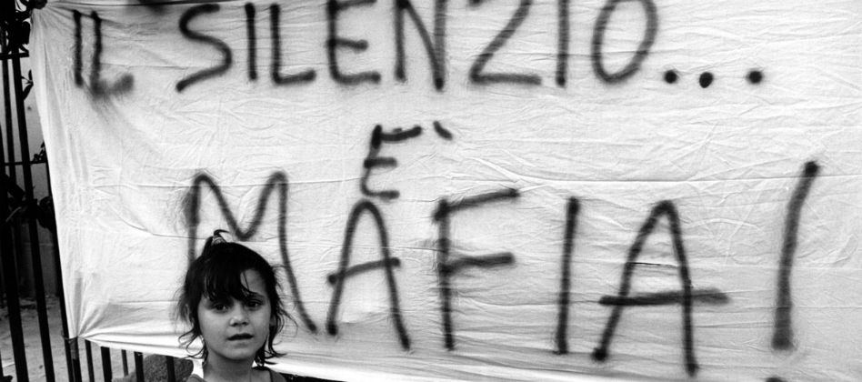 Collaboratori di giustizia: la tragedia di mogli e figli
