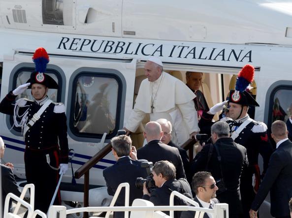 Papa Francesco in Molise chiede un patto per il lavoro e critica il lavoro domenicale