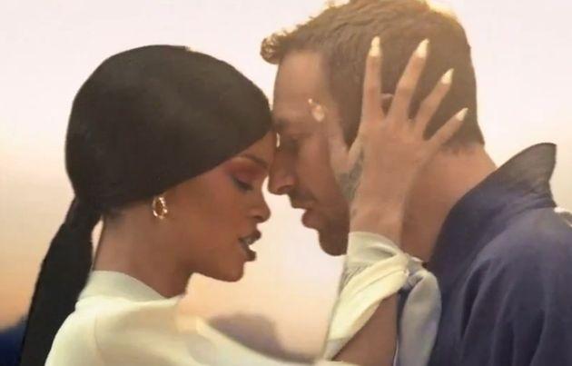 Rihanna e Chris Martin stanno insieme: l'ex di Gwyneth Paltrow innamorato della popstar