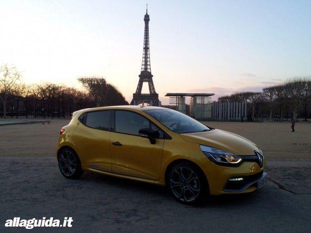 Nuova Renault Clio RS: prova su strada e in pista