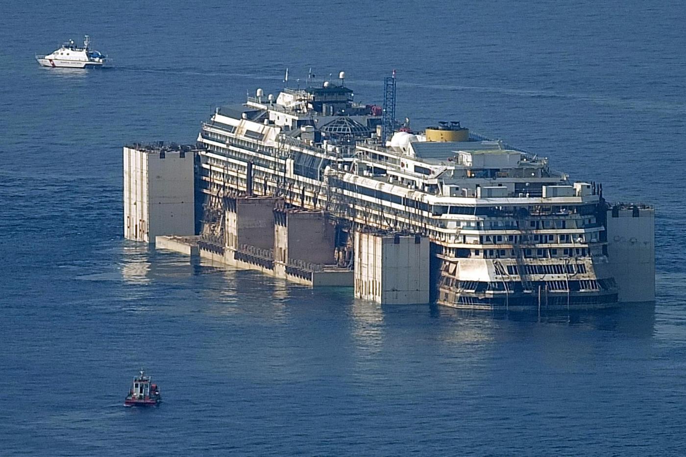 Costa Concordia recupero: l'arrivo a Genova dopo la rimozione