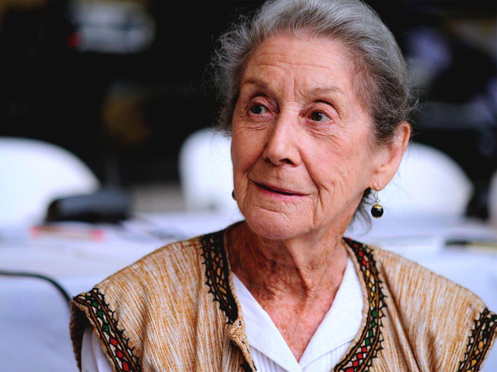 Morta Nadine Gordimer, autrice di 'Nessuno al mio fianco' e premio Nobel per la letteratura