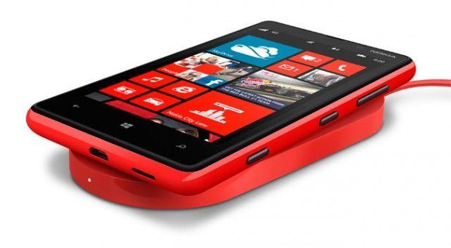 Nokia Lumia si ricarica wifi con i pantaloni hitech
