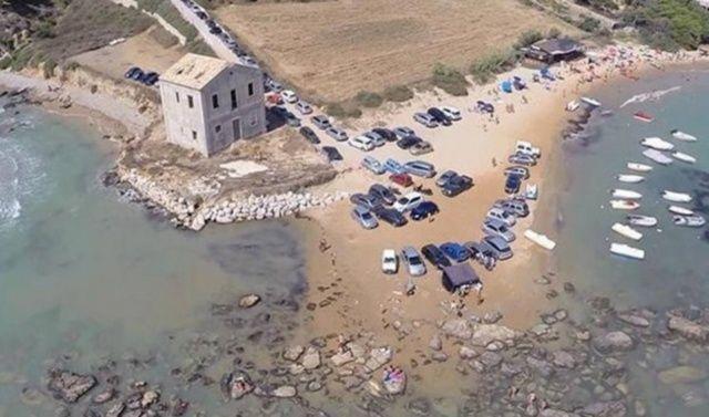 agrigento auto in spiaggia
