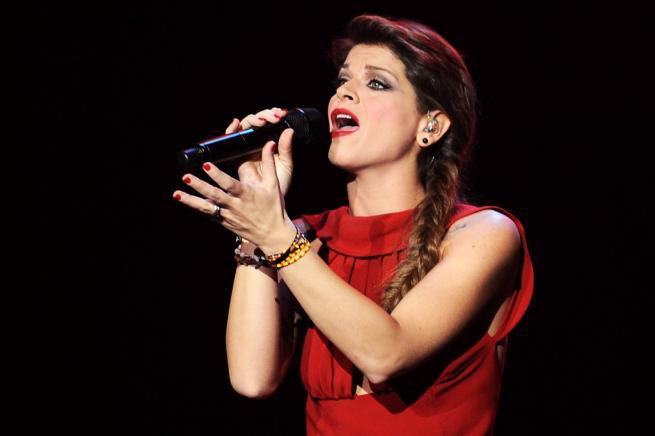 Ascolti TV ieri mercoledì 30 luglio 2014: il concerto di Alessandra Amoroso delude (11.93%)