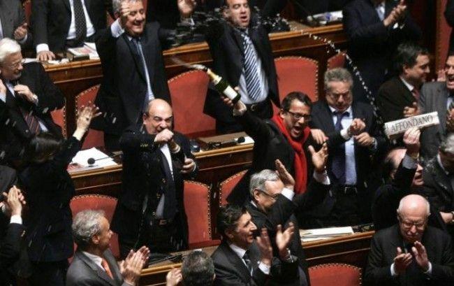 Parlamentari condannati in via definitiva mantengono l'indennità: respinta la proposta del Movimento 5 Stelle