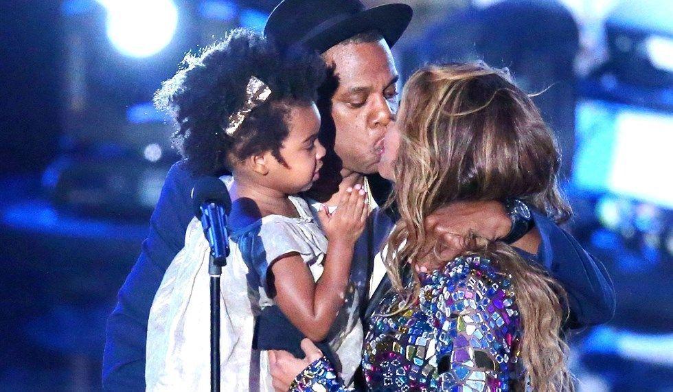 Bacio tra Beyonce e Jay-Z