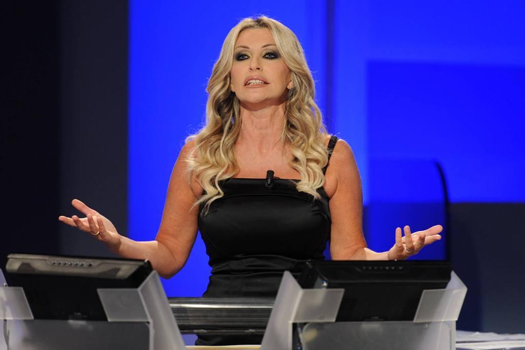 Paola Ferrari su Twitter: le critiche alla Gandolfi dopo l'esclusione dalla Domenica Sportiva