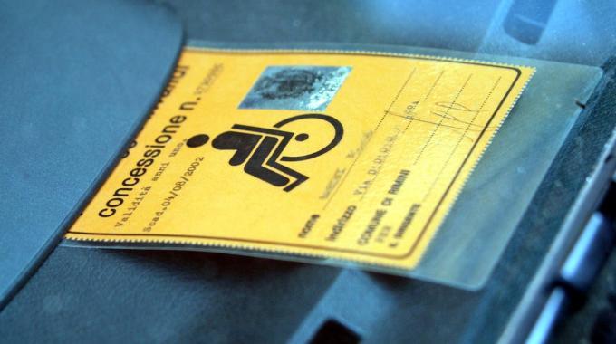 Falsi invalidi in Italia, quanto costano allo Stato le truffe nella Sanità