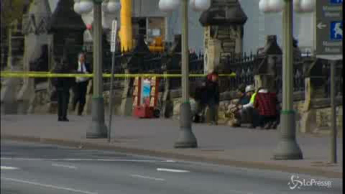 Sparatoria a Ottawa si teme la matrice islamica