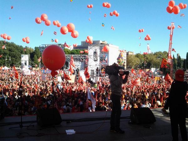 Roma: Cgil e sinistra Pd in piazza contro il Job act del Governo e l'abolizione dell'articolo 18