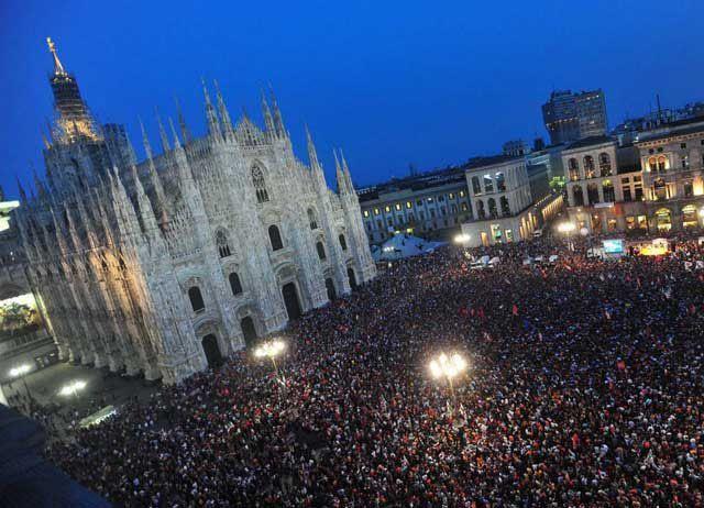 Nomadi in concerto Milano Piazza Duomo