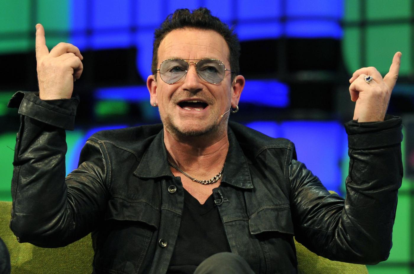 Bono: l'aereo privato ha un incidente in volo, che rischio per il leader degli U2