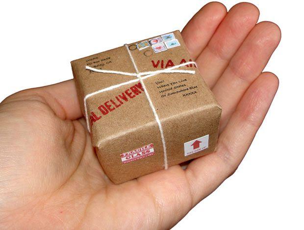 Giapponesi contro Poste Italiane, ai clienti: 'Spedite in Italia? Aspettatevi ritardi'