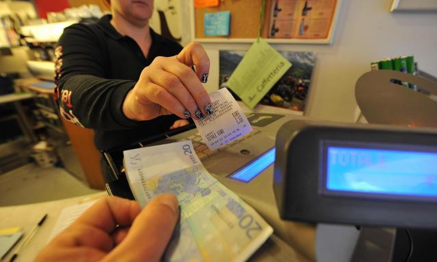 Abolire gli scontrini fiscali: perché e quali sono le alternative?