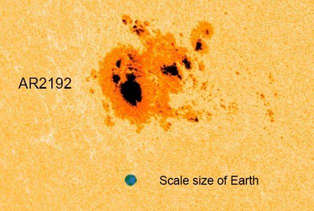 La macchia solare più grande da 25 anni