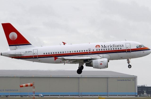 Esuberi Meridiana: «L'azienda ci licenzia e assume con Air Italy»