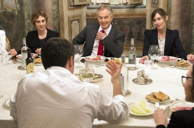 Matteo Renzi a cena con Tony Blair: pizza a Palazzo Chigi