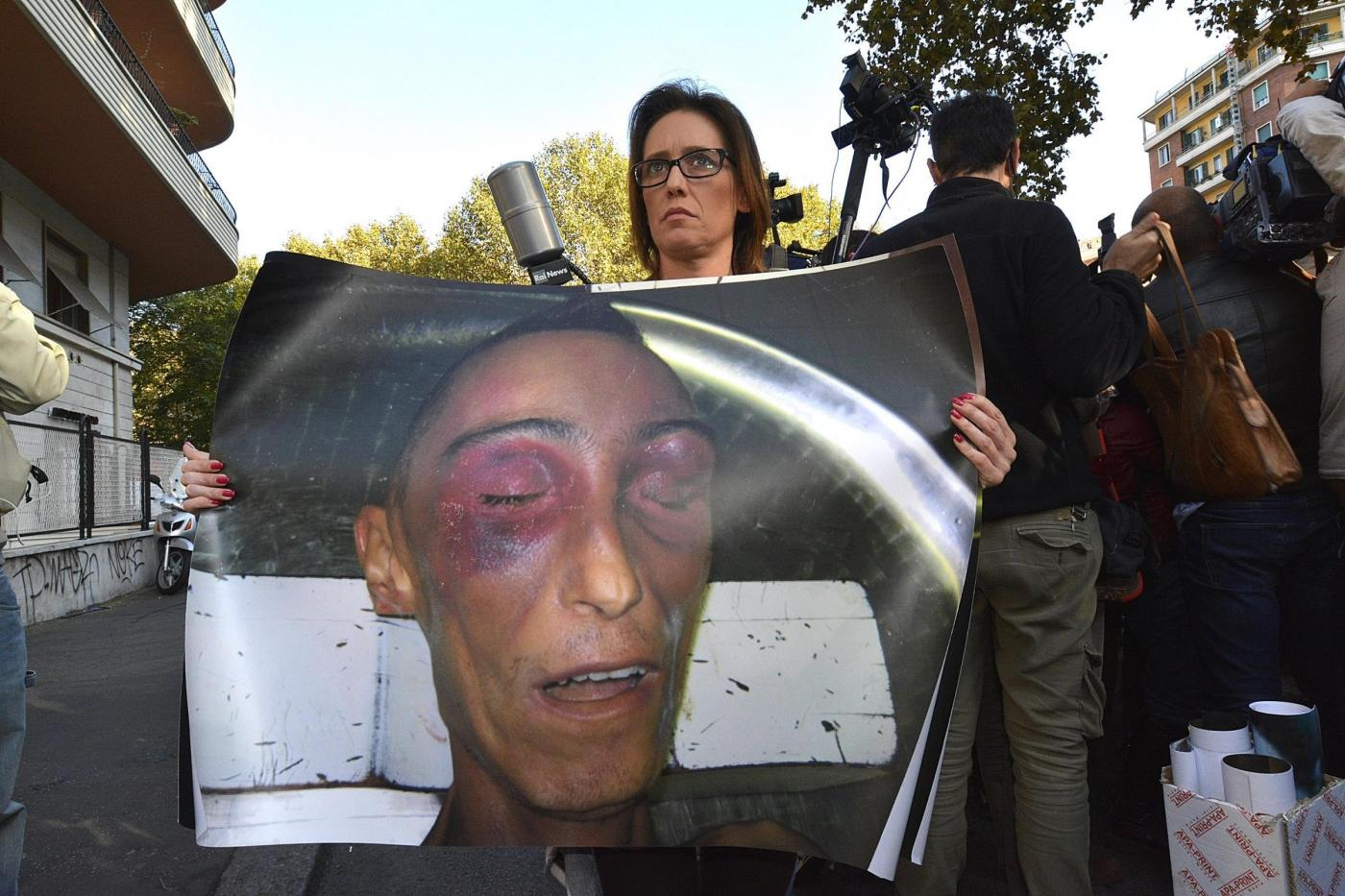 Stefano Cucchi, la sorella denuncia il perito del giudice: aperta un'inchiesta