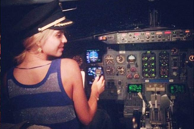 Messico: fa pilotare la cantante, licenziato il comandante