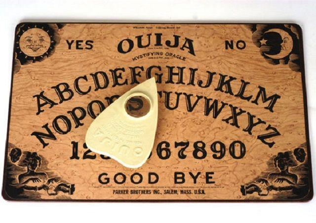 Le tavole Ouija a Natale sono pericolose come l'Ebola, parola di esorcista