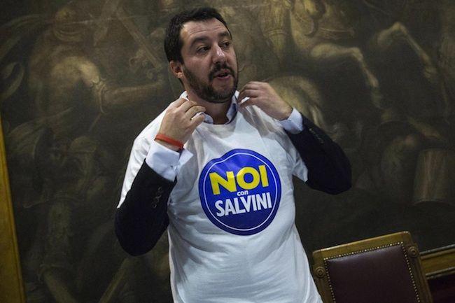 Matteo Salvini lancia la Lega al Sud: presentato il nuovo simbolo 'Noi con Salvini'