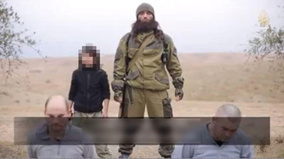 Isis: bambino killer spara a due ostaggi russi disarmati