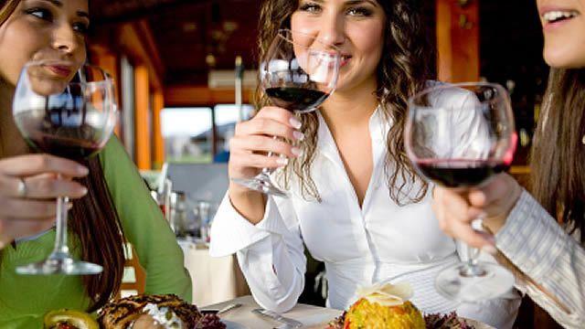 Sei attraente? Allora mangi gratis: la strana promozione di un ristorante