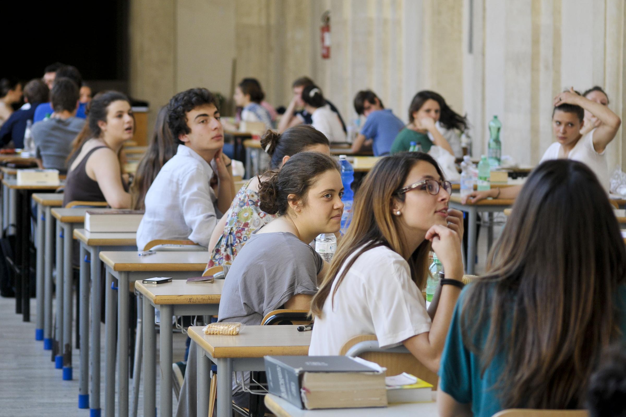 Maturità 2015 seconda prova, materie: latino al classico e matematica allo scientifico