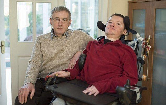 Disabile cacciato dal cinema perchè il suo respiratore è troppo rumoroso