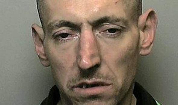 Arrestato ladro che dormiva sul divano, il giudice: 'E' il più patetico della storia'