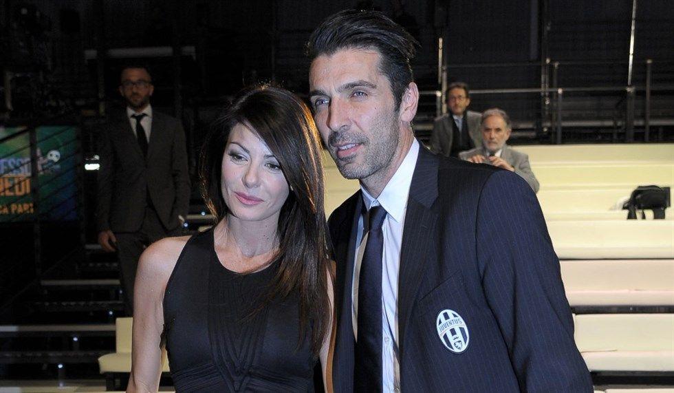 Ilaria D'Amico e Gigi Buffon chiedono rispetto per la loro privacy: 'Basta gossip'