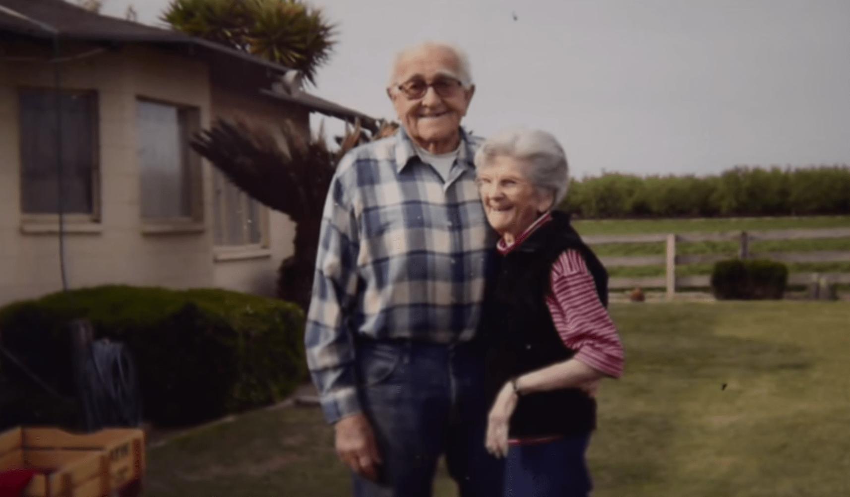 Floyd e Violet Hartwig erano sposati da 67 anni e sono morti mano nella mano
