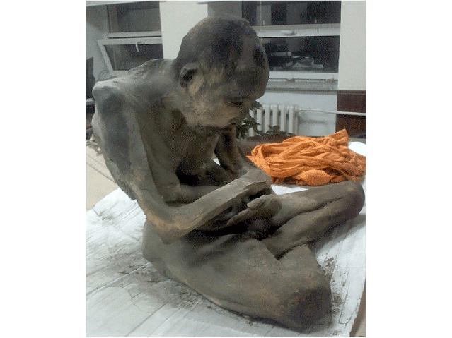 Monaco buddhista mummificato trovato in Mongolia: è ancora in meditazione