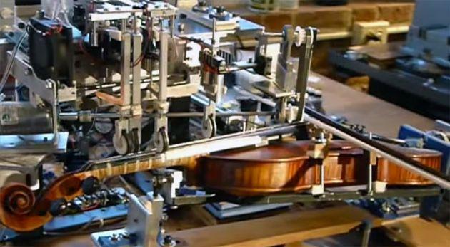 Il robot perfetto violinista