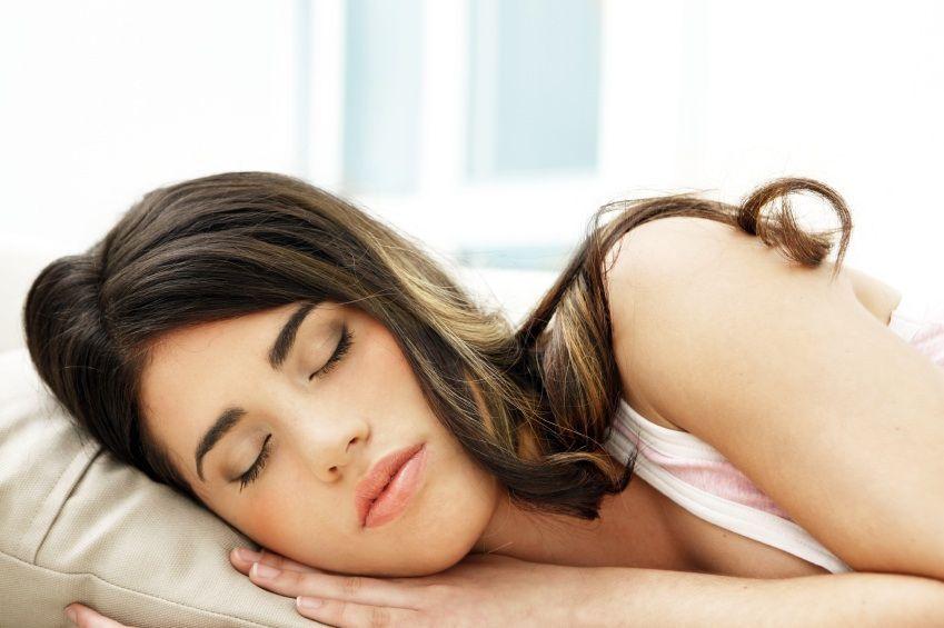 Dormire più di 8 ore aumenta il rischio di ictus