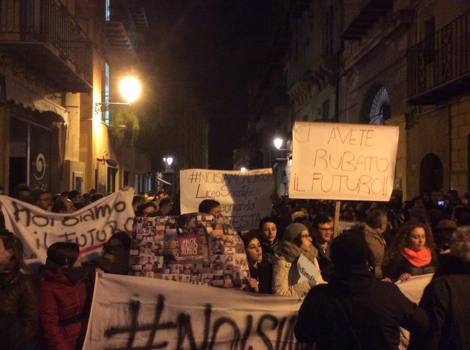 Scandalo commissioni ad Agrigento: i cittadini scendono in piazza