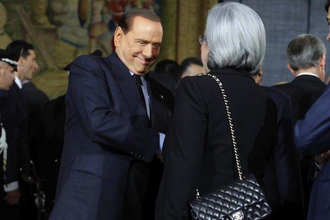 Berlusconi alla Bindi: 'Non ci aspettavano lacrime da un uomo, pardon donna'