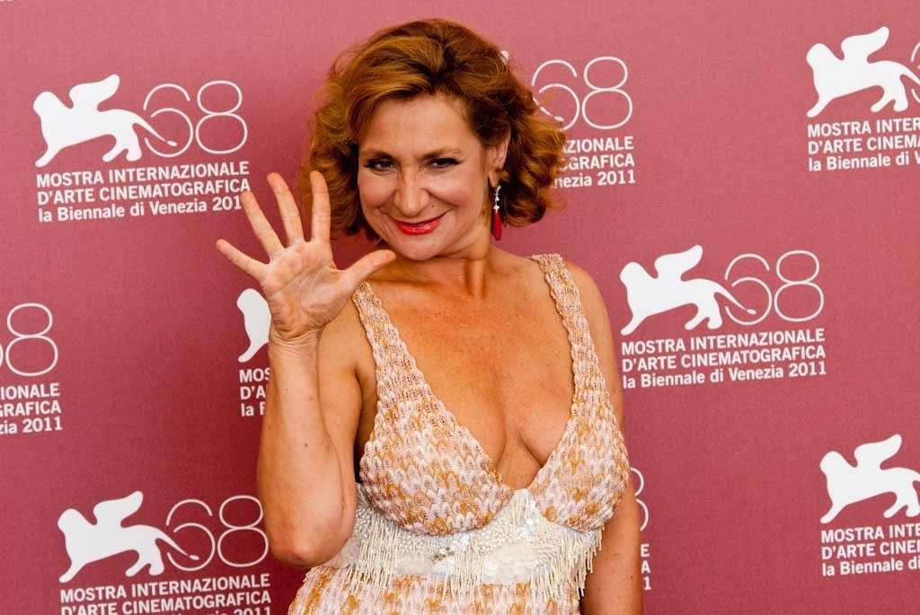 Monica Scattini è morta a 59 anni: l'attrice si è spenta in ospedale