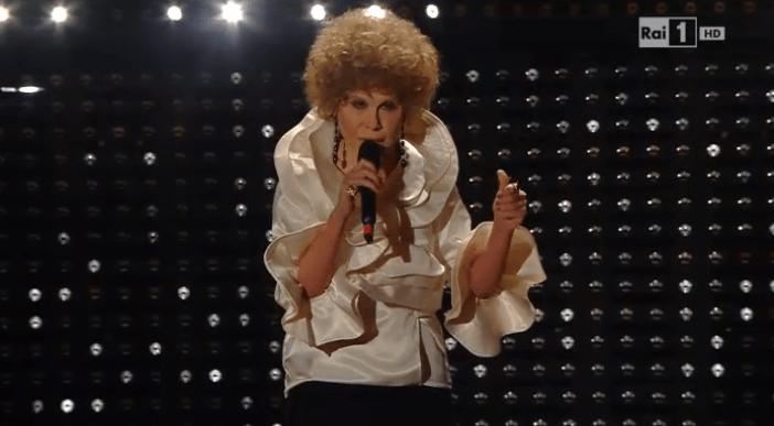 Virginia Raffaele a Sanremo 2015 imita Ornella Vanoni all'insegna della comicità