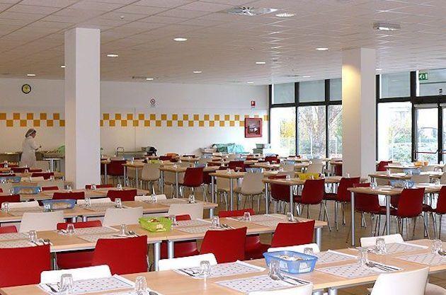 Mensa scolastica: gli italiani non riescono a pagare nemmeno il pranzo ai loro figli