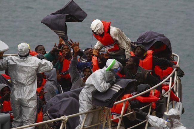 Sbarchi clandestini in Italia: il piano dell'Isis per entrare in Europa