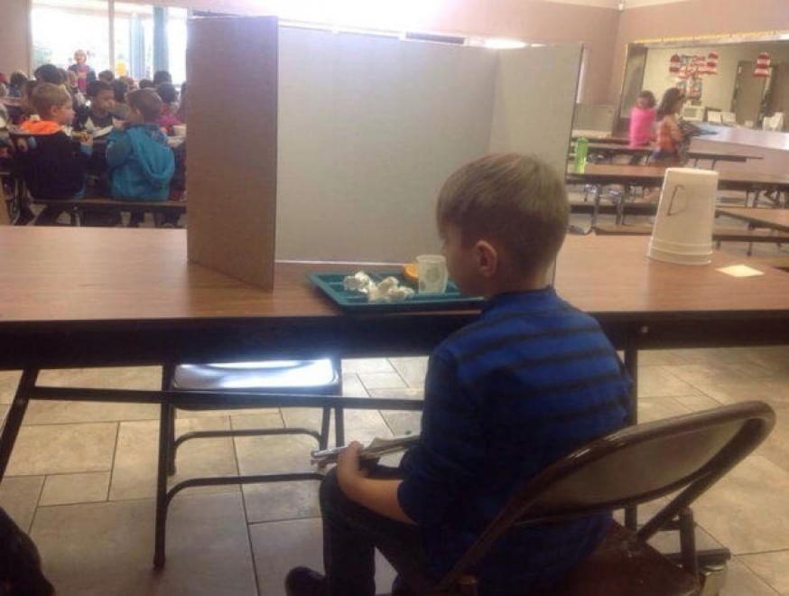 Bambini puniti perché arrivano in ritardo a scuola: un caso in Oregon