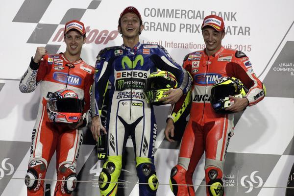 MotoGP Qatar 2015: Valentino Rossi trionfa, podio tutto italiano