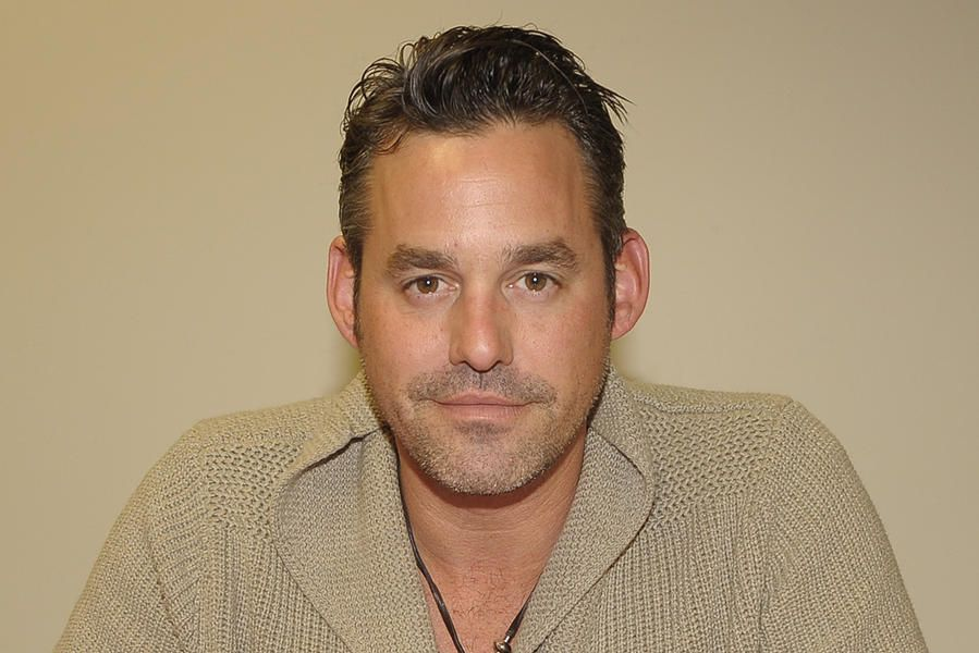 Nicholas Brendon, arrestato l'ex star di Buffy: ha devastato una camera d'hotel